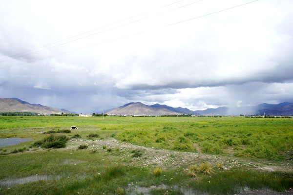 On the way from Gyantse to Shigatse