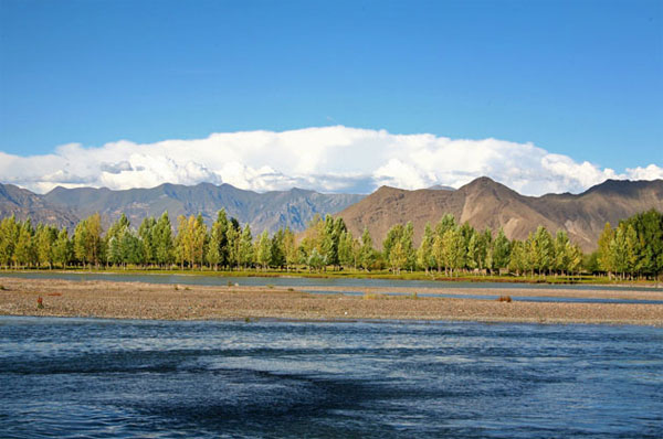 The beautiful Lhasa River