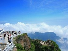 Mount Emei enters its peak travel season from June